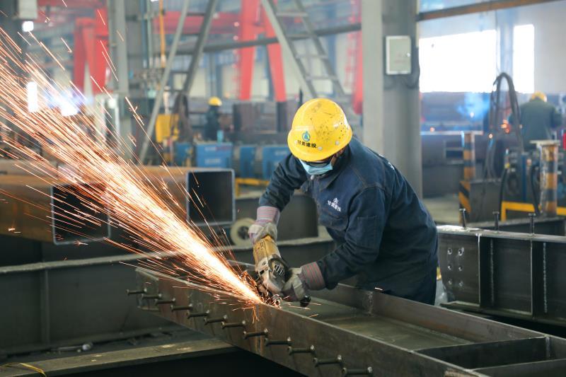 钢结构生产车间.jpg